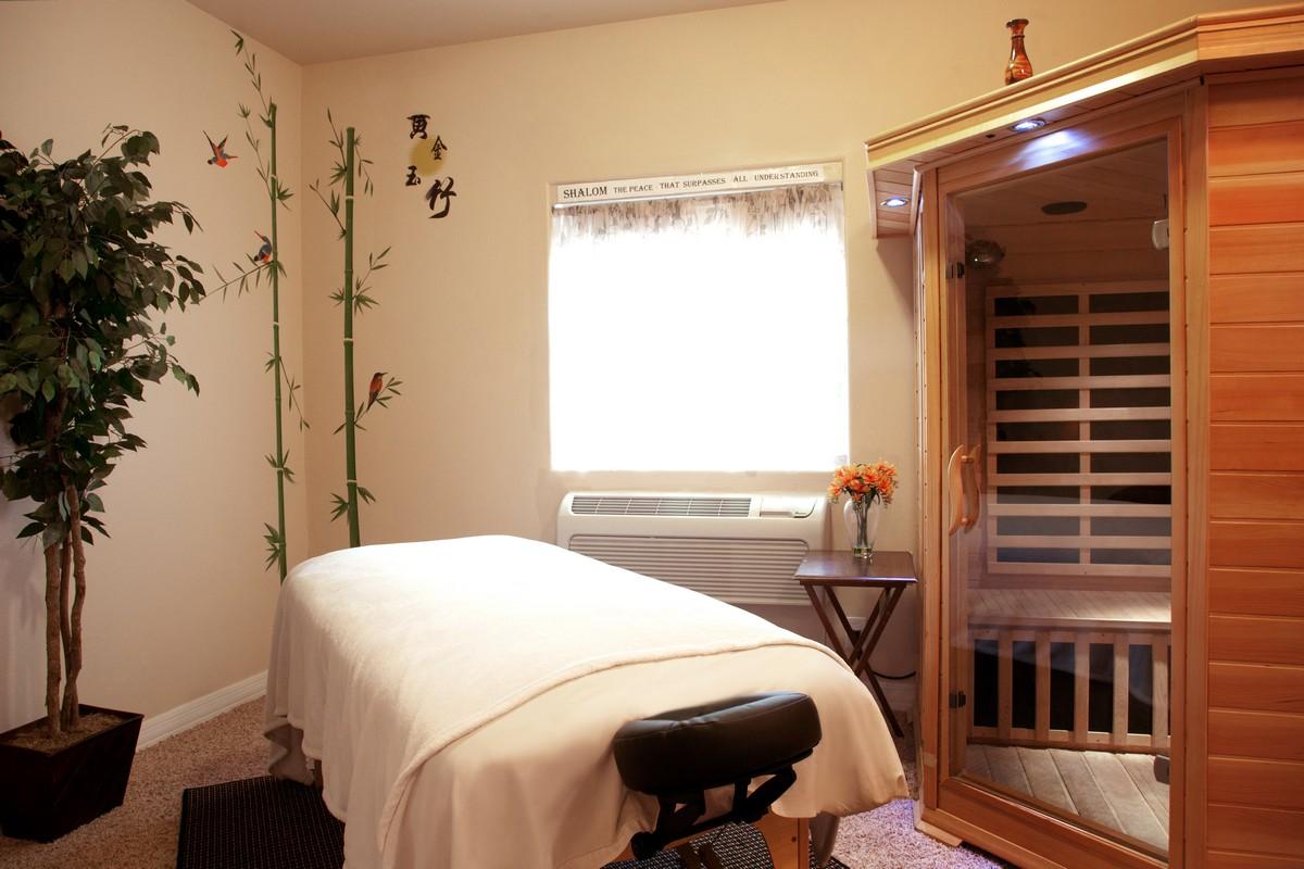 Infrared Suana & Massage Room